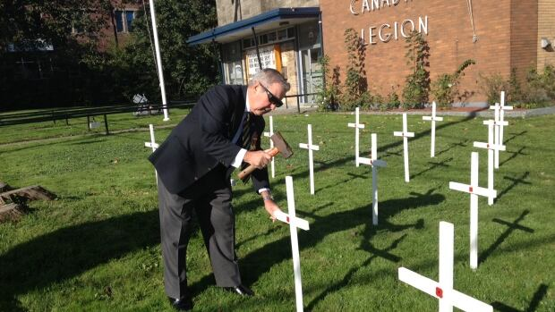 The Sydney legion hopes people display these white crosses on their lawns for Remembrance Day.
