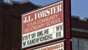wdr-300-forster-sign