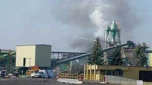 hi-bc-120424-lakeland-mill-fire-4col
