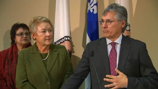 Pauline Marois and Matthew Coon Come announced the renewal of the Eevou Istchee James Bay regional government on Monday afternoon in Montreal.