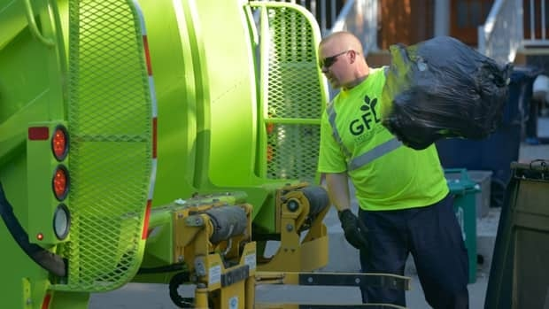 Private garbage collectors are already operating west of Yonge Street. (Jonathan Castell/CBC)