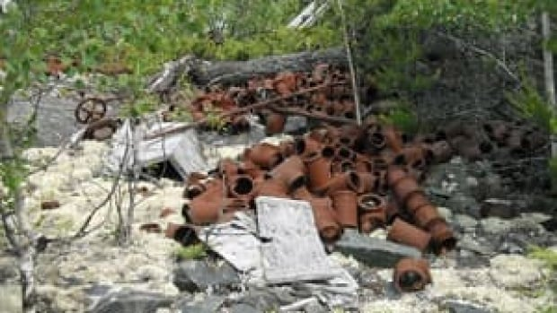 mi-sachigo-lake-rust2