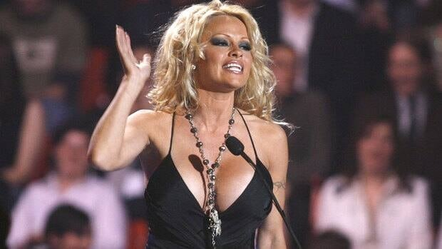 Host Pamela Anderson addresses the crowd during the Juno awards in Halifax in April 2006.