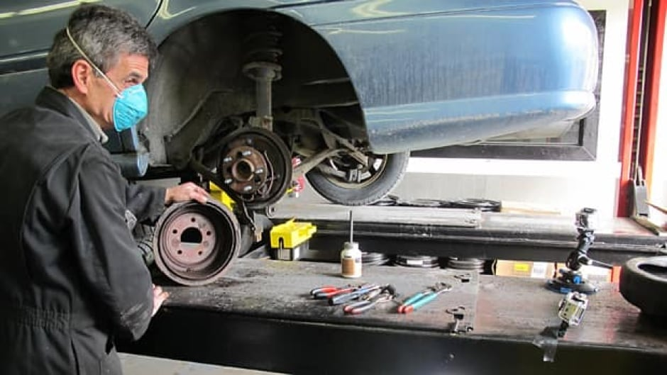 Edmonton Mla Wants To Protect Albertans From Shoddy Auto Repairs Cbc News
