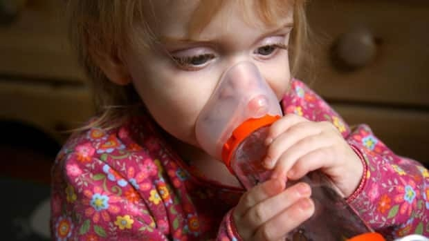 When a triage nurse administers an oral steroid to a young asthma patient, the patient recovers much faster and stays out of hospital, Ottawa research shows.
