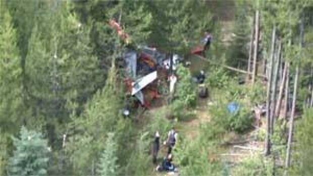 mi-bc-121127-air-crash-scene