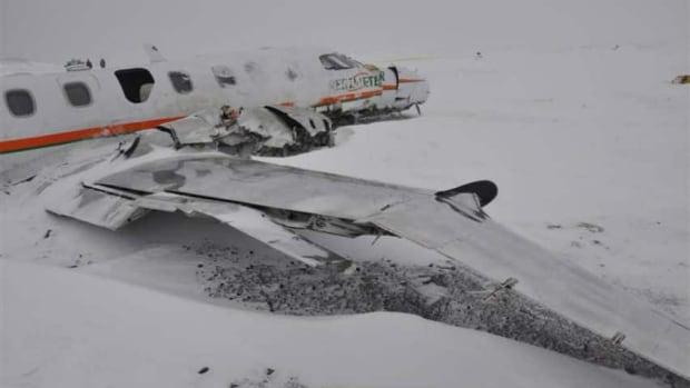 hi-plane-on-ground-with-snow