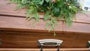 istock-casket-small-140