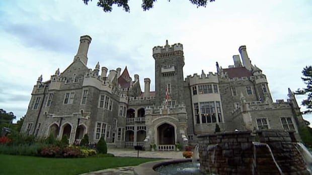Toronto's palatial Casa Loma will be the scene of a mass wedding Thursday involving about 110 lesbian, gay, bisexual, transgender, queer and two-spirited couples. The mass wedding is considered the first of its kind in Canada.