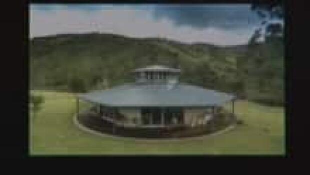 round-house-2_220x124_1