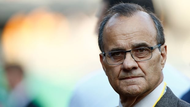 MLB executive vice president Joe Torre spoke about replay on Sunday before the Los Angeles Dodgers hosted the Atlanta Braves in Game 3 of their NL division series.