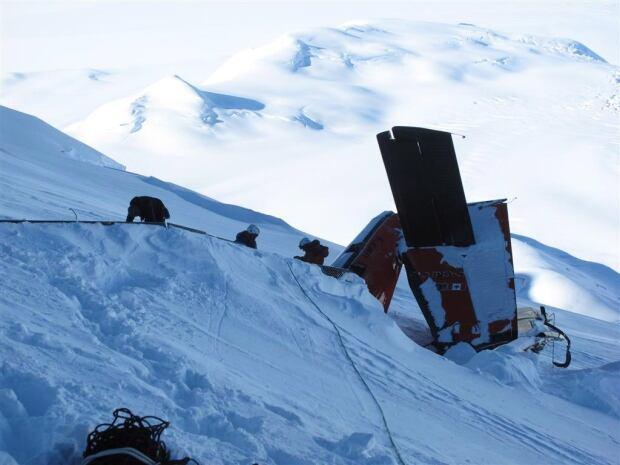Antarctica Plane Crash 20131006