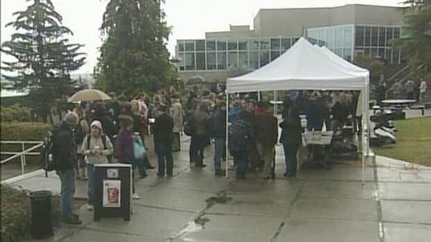 Vancouver Island University strike settled - British Columbia ...