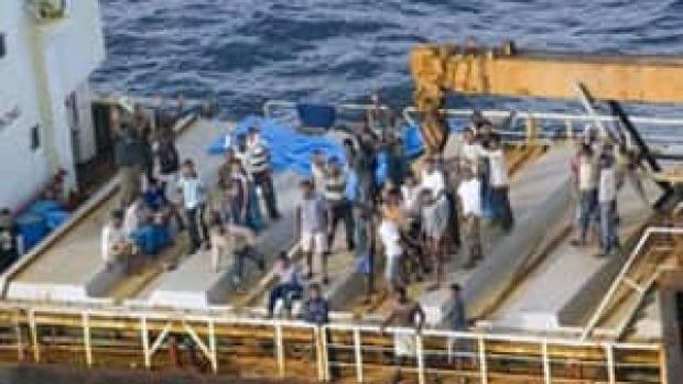 si-tamil-ship2-300-rcmp-091017