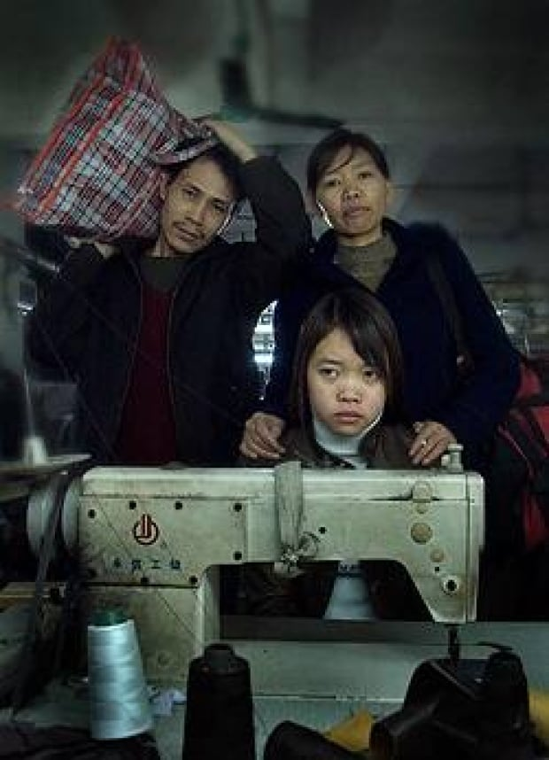 an analysis of the film the last train home by lixin fan Last train home (simplified chinese: 归途列车 traditional chinese: 歸途列車 pinyin: guītú lièchē literally: homeward train) is a 2009 documentary film directed by lixin fan and produced by daniel cross and mila aung-thwin of eyesteelfilmit won the best documentary feature at 2009 idfa and has been distributed by zeitgeist.