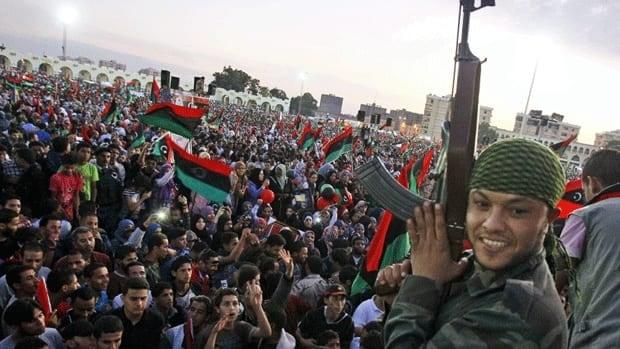 li-benghazi-crowd-01493547