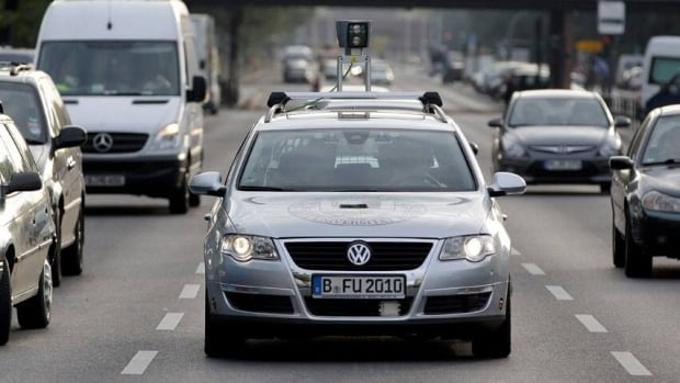 hi-852-driverless-car-berlin-01310108