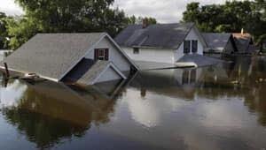 mi-minot-rooftops-flood