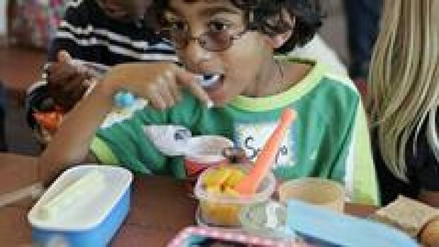 si-school-lunch-220-cp-5416