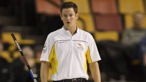Rob Fowler, shown here at the 2007 Brier, suffered a dislocated shoulder when his brush split at the Players' Championship.