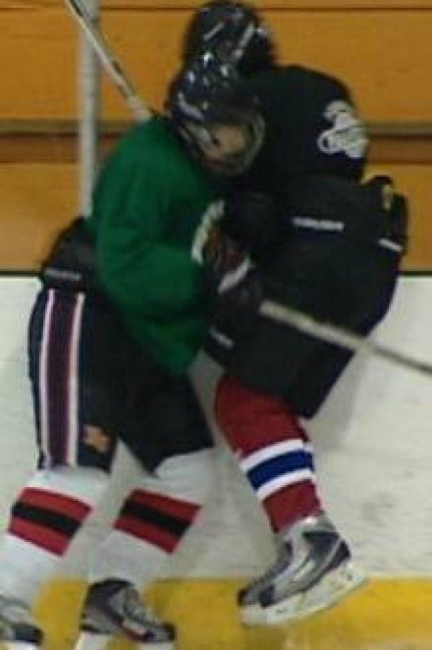 si-hockey-hit