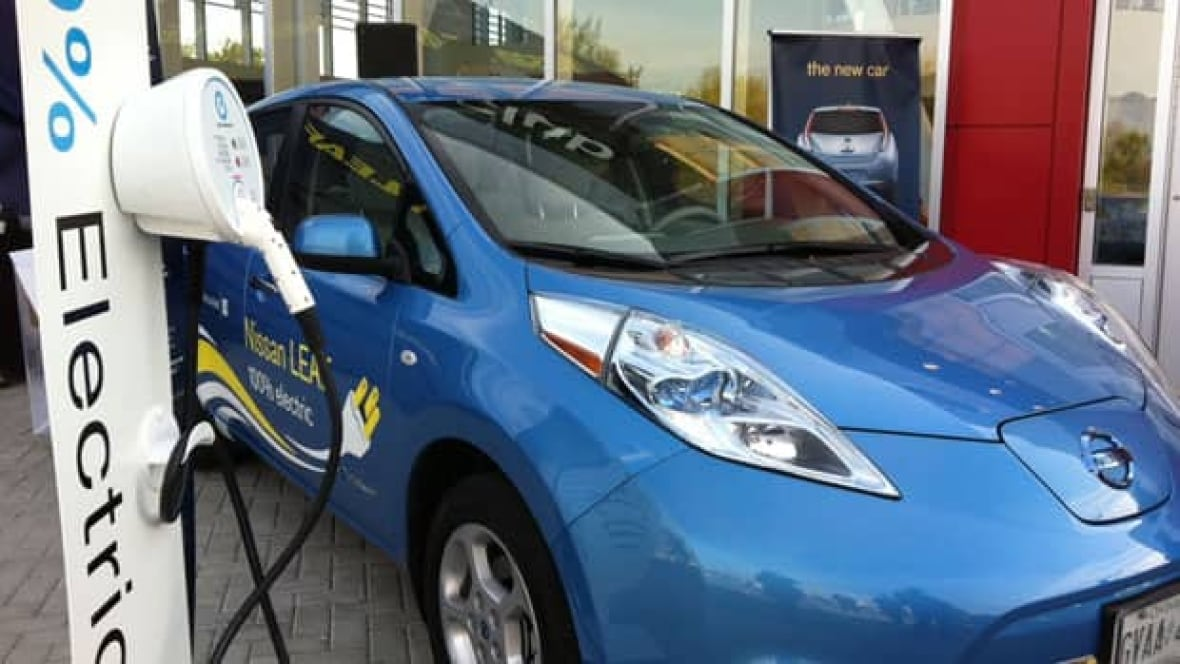 Montreal's car-sharing network goes electric