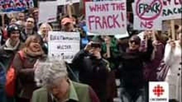 ns-si-fracking-protest-220