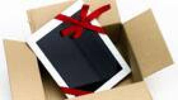 pr-140-tablet-christmas-istock_000018600925small
