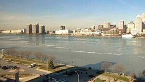hi-wdr-detroit-river-downtown-fallwinter