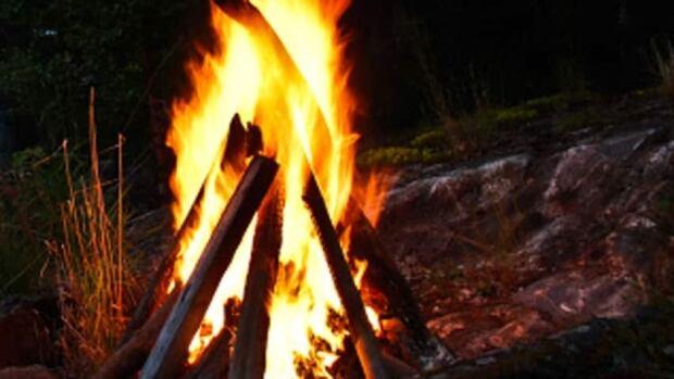 hi-bonfire-getty103636713