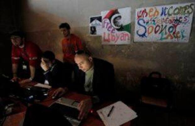 mi-libya-rebel-media-300-ap00321171