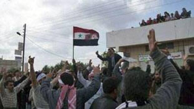 300-syria-izraa-protests-cp
