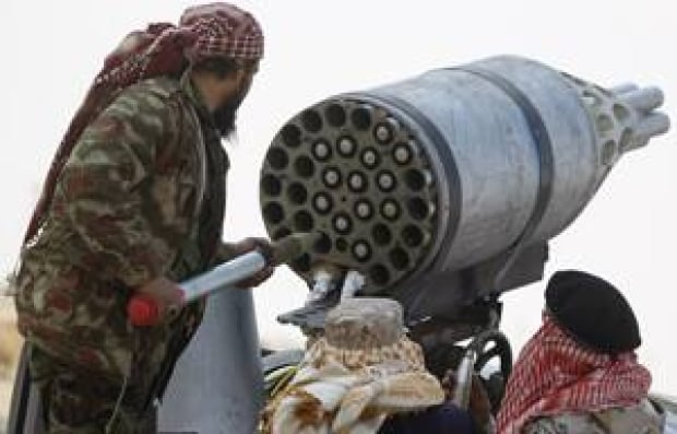 mi-libya-rebels-rocket300-r