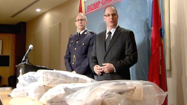 RCMP in Calgary say they have busted a mail fraud scam that involved thousands of letters destined for the United States that ask people to be mystery shoppers and cash cheques at money transfer stores.