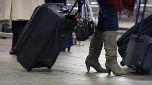 ns-li-airport-luggage-620