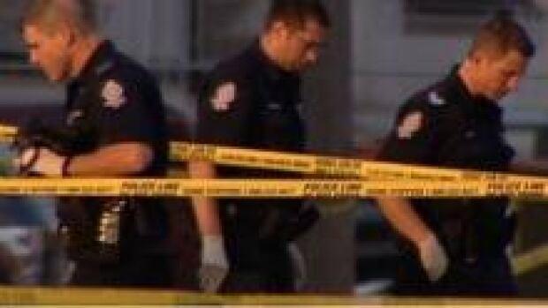 si-murder25-police