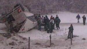 si-hockey-bus-crash