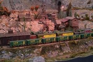 mi-trains-300