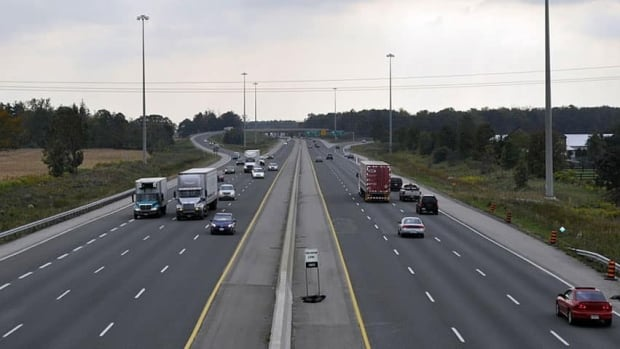 Ontario's Ministry of Transportation has no plans to put up a concrete barrier between the eastbound and westbound lanes of Highway 401 in Chatham-Kent as part of a three year construction project.