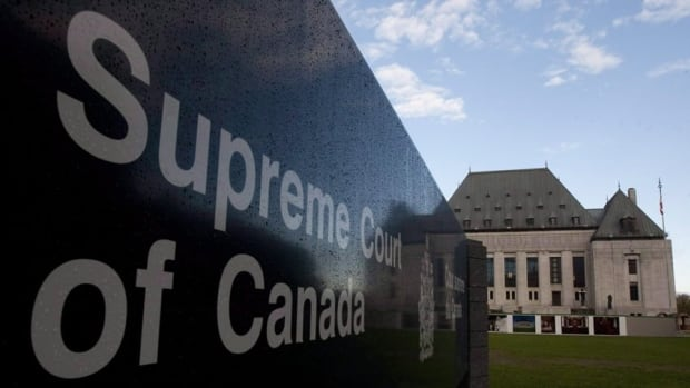 The Supreme Court says a class-action lawsuit against two mutual fund companies can go ahead. (Canadian Press)