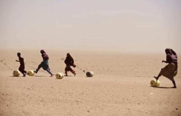 si-kenya-desert-300-rtr2p4c