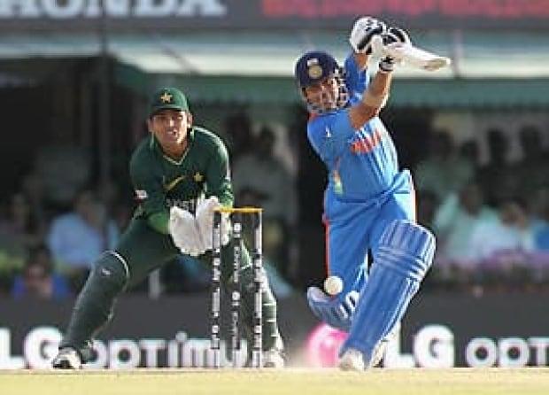 indo-pak-cricket-300