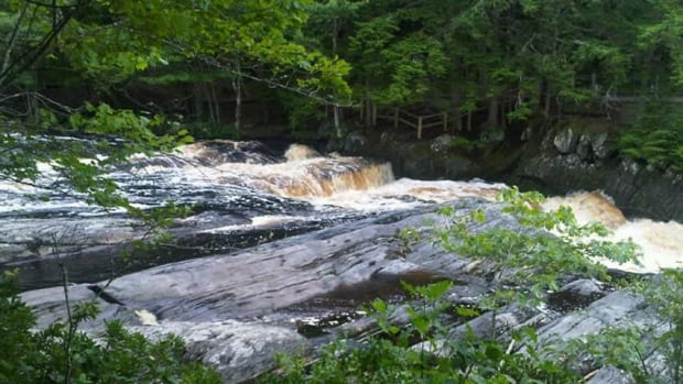 ns-hi-mill-falls-852