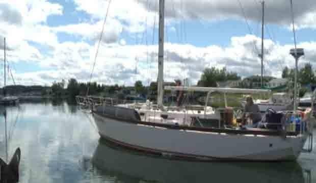 li-lewisporte-sailboat-2011