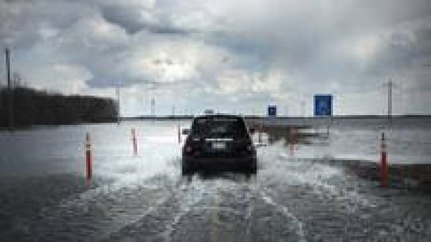 220-car-flood-cp00558753