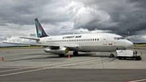 220-first-air-737-01146341