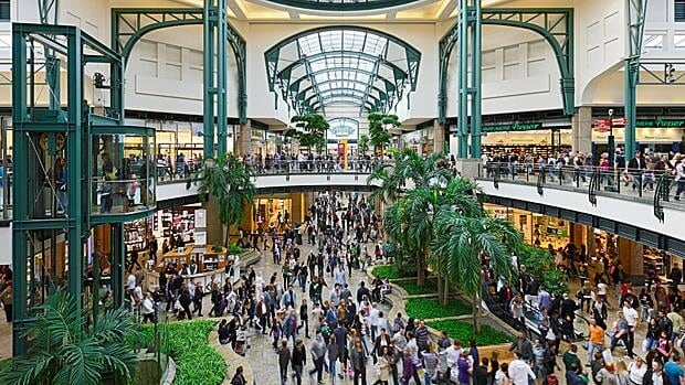 CPP paid $370 million for a stake in CentrO Oberhausen, a mall 40 km north of Dusseldorf.