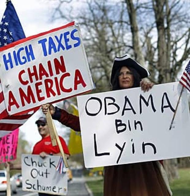 us-taxes-rtr2cv83
