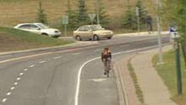 si-cgy-bikelane10thstreet