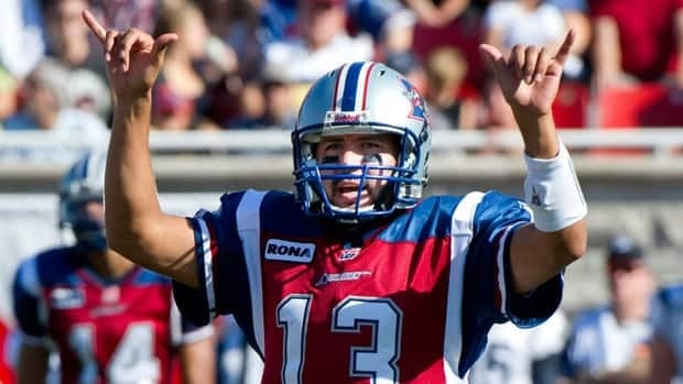 Alouettes quarterback Anthony Calvillo broke Damon Allen's all-time CFL record of 72,381 passing yards against the Toronto Argonauts Monday in Montreal.